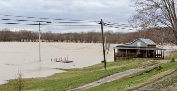 Top ten flood creates lots of 'lakefront' property in Estill County